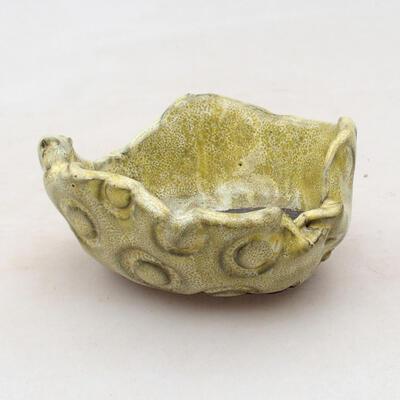 Ceramic shell 7.5 x 7 x 3.5 cm, color yellow - 1