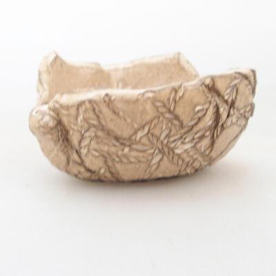Ceramic shell 7 x 7 x 4.5 cm, beige color - 1